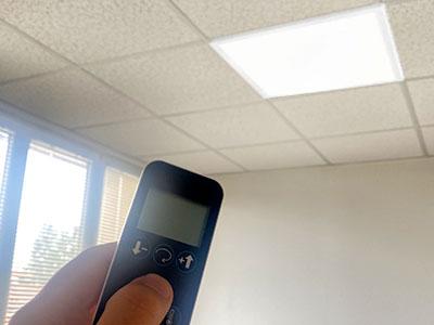 Télécommande pour luminaire plafonnier bureau